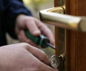 Lock Safe Services Sarasota, FL 941-677-7277
